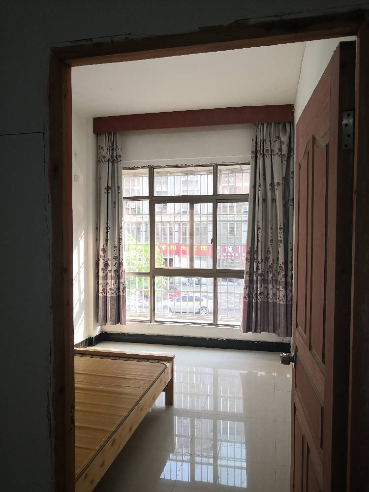 诚信一区3室1厅出租