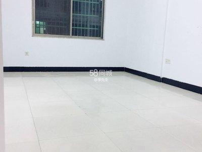 公交车站旁黄杨梅二区两室两厅大套间停车方便