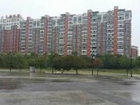 月湖公寓顶楼带大露台