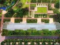 荷塘月色稀缺庭院底墅,确权288送前后庭院 实用700平米送两车库一个车位满二