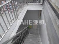 诚信一区 占地54平一间半5层垂直房 带地下室 确权345平 精装修 租金20万